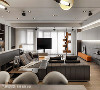 场景定向 设计师吴冠谚将沙发坐向依景而生,拾光捻景悠远惬意,旋转电视搭配悬浮式平台成为窗边卧榻,简练美学兼具机能。