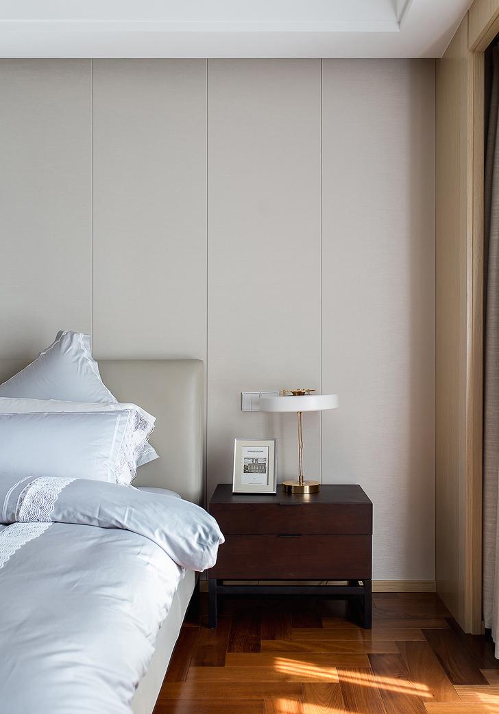 简约 四居 卧室图片来自言白设计在静谧的优雅的分享