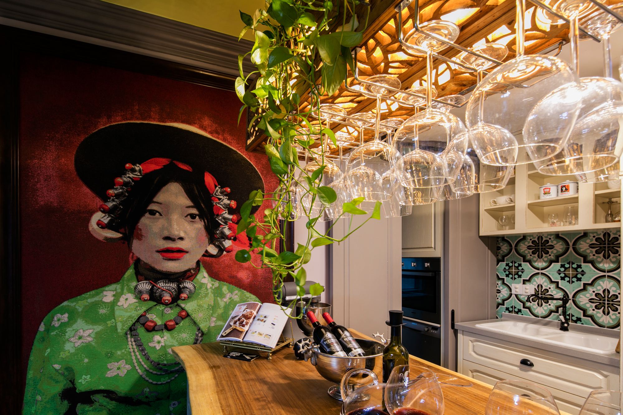 三居 欧式 餐厅图片来自盒子设计在摩登的分享