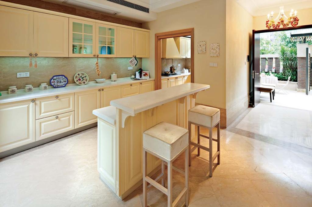 东郊半岛 别墅装修 欧式古典 腾龙设计 厨房图片来自腾龙设计在东郊半岛别墅装修欧式古典风格的分享
