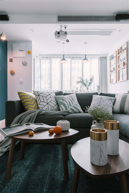 欧式 三居 白领 小资 客厅图片来自温江装修公司在120㎡北欧别致家居生活的分享