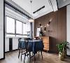 客餐厅通过立面以及顶面的设计,进行了巧妙的区域分割,最大限度的保证了客厅及餐厅的采光。