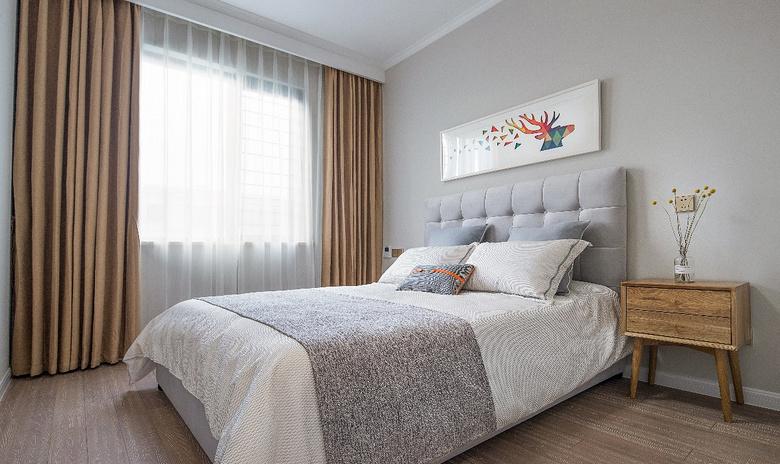 卧室图片来自家装大管家在112平惬意欧式3居 简单不失美感的分享