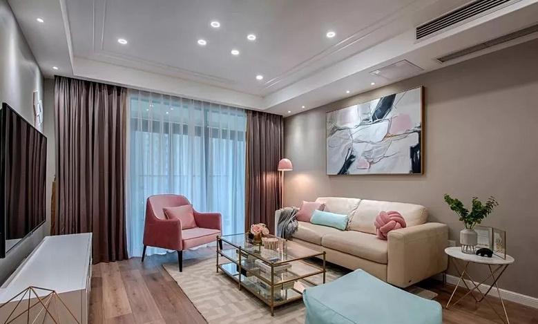 客厅图片来自家装大管家在105平粉色简约3居 时尚小资范儿的分享