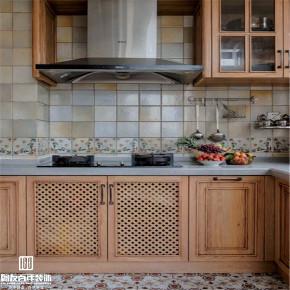 轻奢 法式 美式 混搭 原木制作 全案定制装 鹏友百年装 厨房图片来自鹏友百年装饰在保利江上明珠法美混搭风的分享