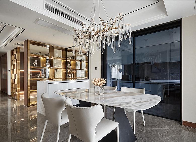 餐厅图片来自家装大管家在110平港式温暖3居 感觉如沐春风的分享