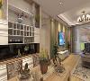 室内的空间佈局一气合成,氛围和谐统一,米黄色的牆纸、白色的门套,碎花布艺田园家俱,使色彩看起来素雅、端庄、舒适、大方,整个空间给人简洁、明亮的通透感,自然而温馨。
