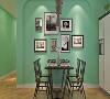 良好的设计具有引导性,无形中使居住往来更加舒适,本案中餐厅一角做成了吧台的设计,高脚的凳子使整个空间格局更有情调色彩。