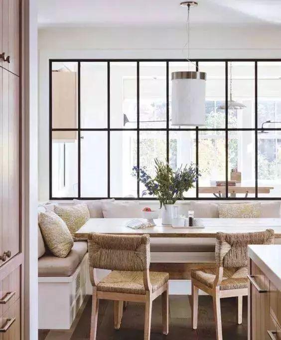 混搭 三居图片来自云南俊雅装饰工程有限公司在餐厅卡座的分享