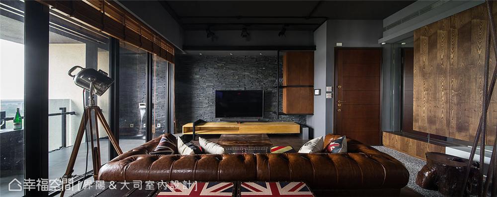 """小资 工业风格 装修设计 客厅图片来自幸福空间在99平,有一种人文叫""""大司""""的分享"""