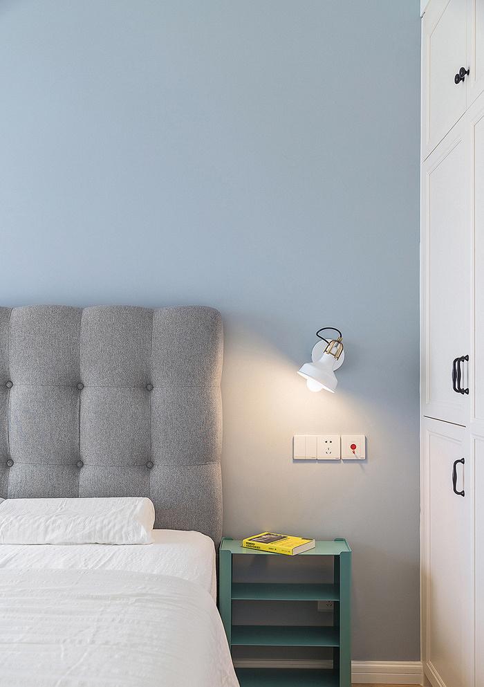 卧室图片来自家装大管家在美观大方 89平现代简约混搭空间的分享