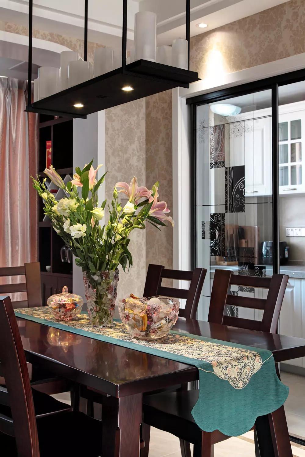 新中式 设计案例 餐厅图片来自大业美家 家居装饰在中冶德贤装修 ▏138㎡新中式设计的分享