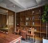 悠悠书房,品茶静心。满壁的书柜是屋主的最爱,两把交椅自在谈心。