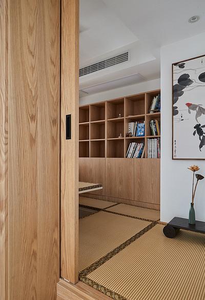 书房图片来自家装大管家在90平现代简约空间 气质优雅随性的分享