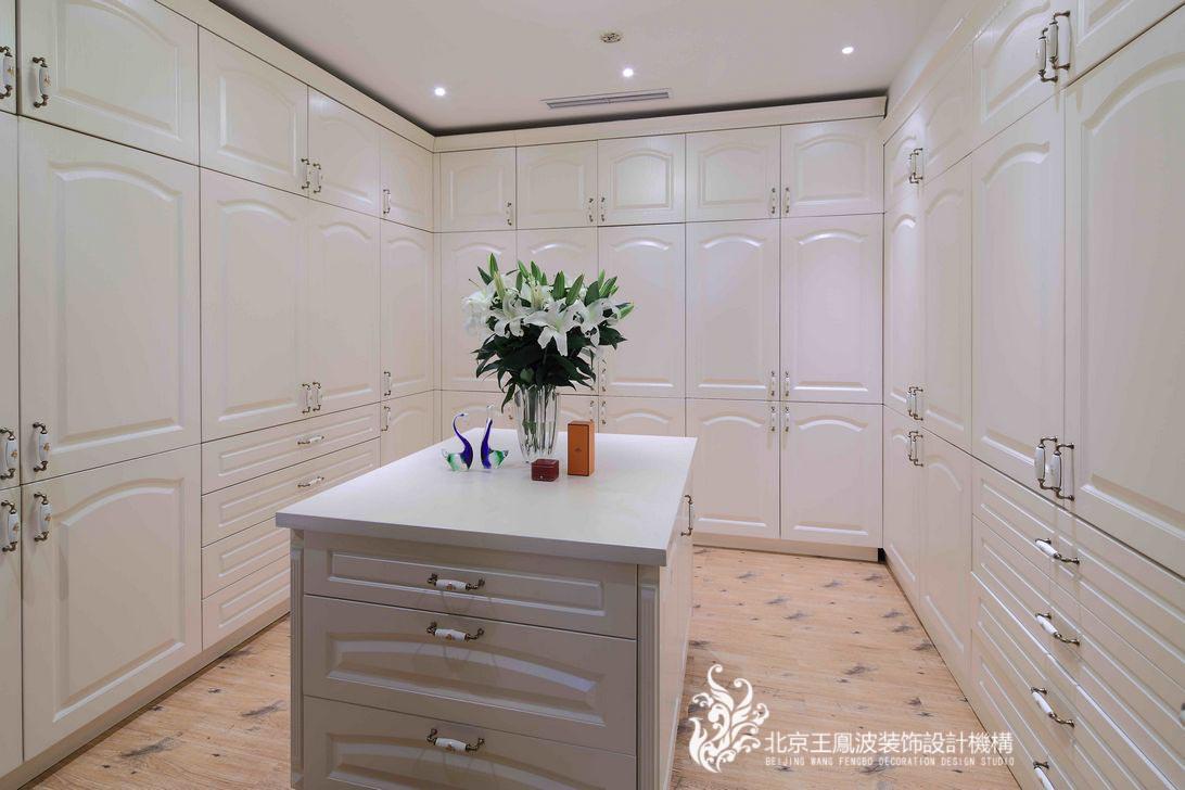 书房图片来自王凤波设计机构在中式别墅设计:晴翠园的分享