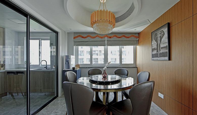餐厅图片来自家装大管家在浓郁鲜明 109平美式现代混搭3居的分享