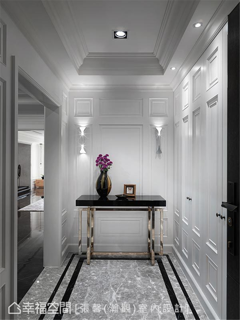 现代风格 装修设计 装修完成 玄关图片来自幸福空间在182平,582魔法  黑白灰个性宅的分享