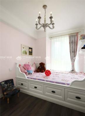 美式 混搭 白领 小资 90后 收纳 旧房改造 未来家 三居 卧室图片来自二十四城装饰(集团)昆明公司在融城园城 美式的分享