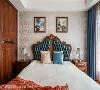 平衡美学  以利落的线条、平衡的设计概念安排卧室空间,再以柔和的床架造型凸显空间的奢华典雅,为私领域带来浪漫气氛。