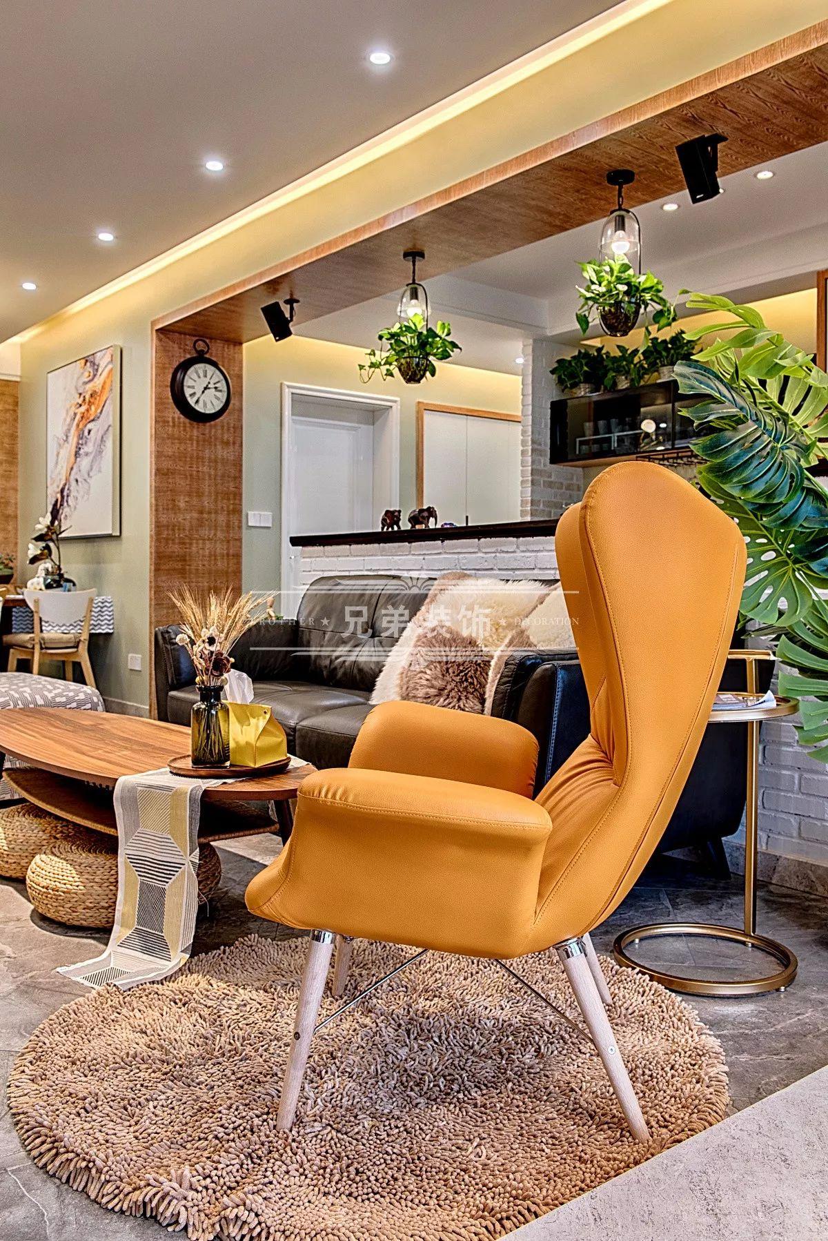 兄弟装饰 工业风 雅居乐 客厅图片来自重庆兄弟装饰黄妃在南岸雅居乐国际花园实景设计效果的分享