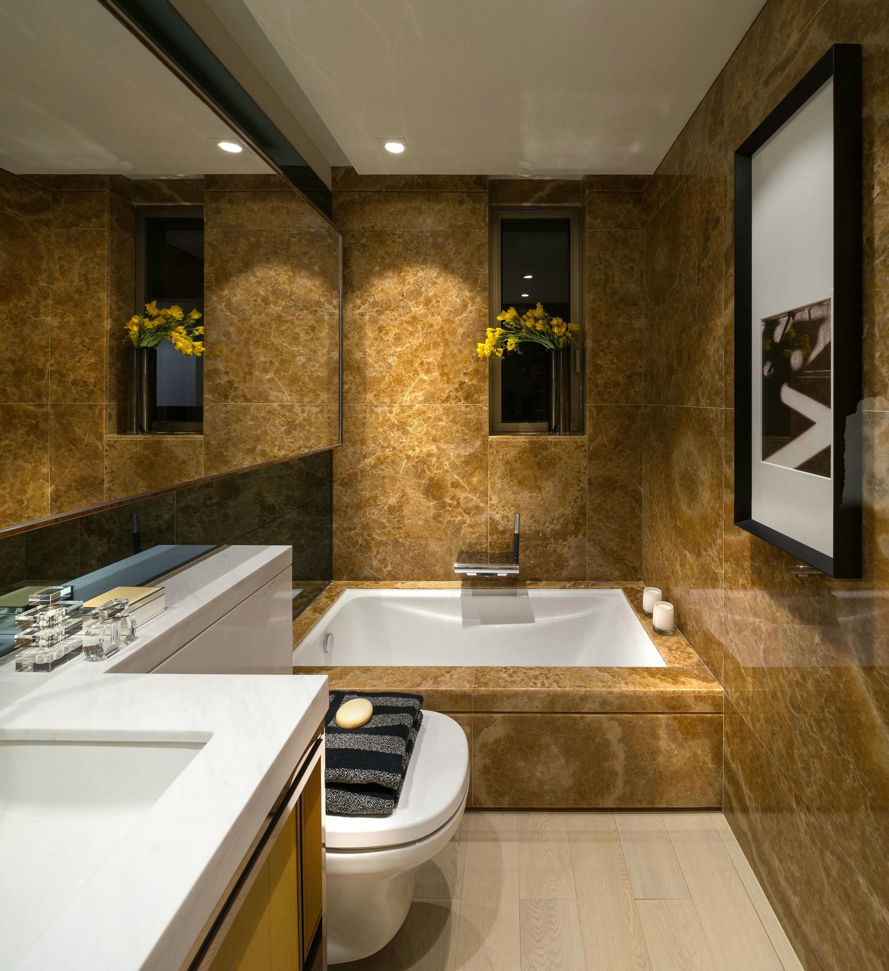 卫生间图片来自西安紫苹果装饰工程有限公司在75平公寓的分享