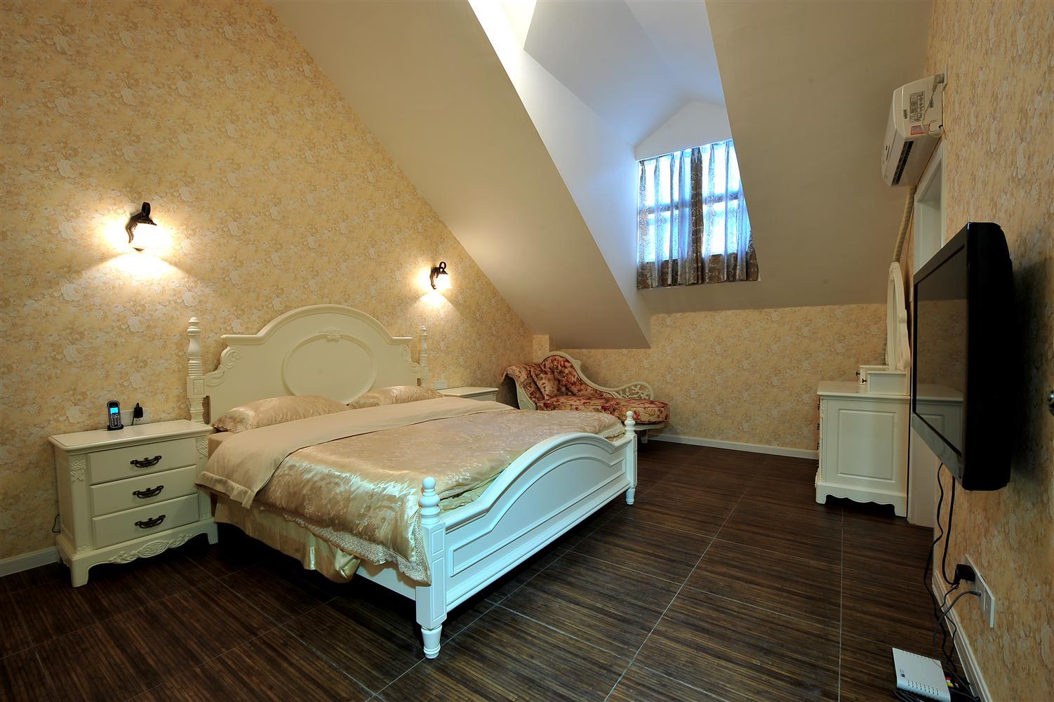 欧式 三居 白领 收纳 80后 卧室图片来自鸿扬家装武汉分公司在欧式田园121平-鸿扬家装的分享