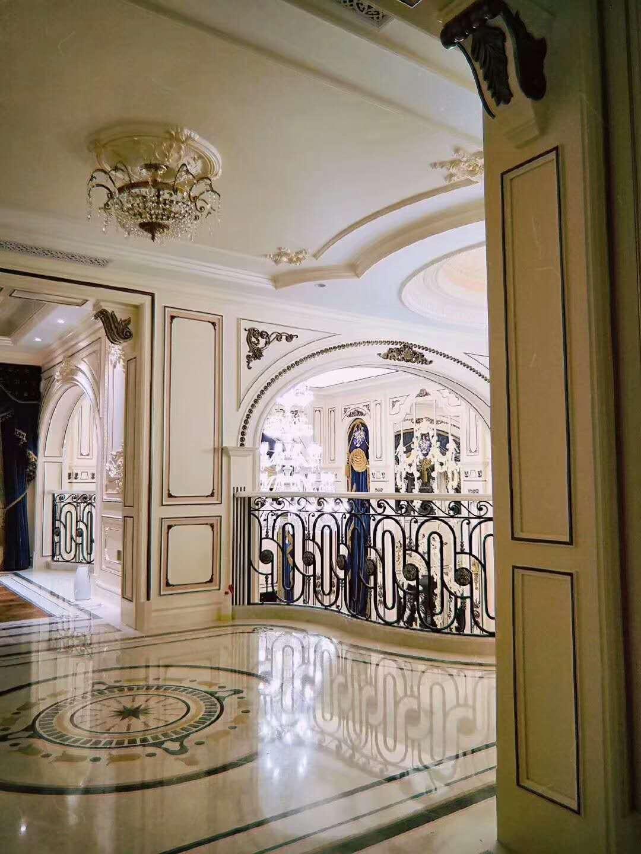 四季雅苑 别墅装修 法式风格 别墅设计师 玄关图片来自腾龙设计在法式风格别墅设计案例展示的分享
