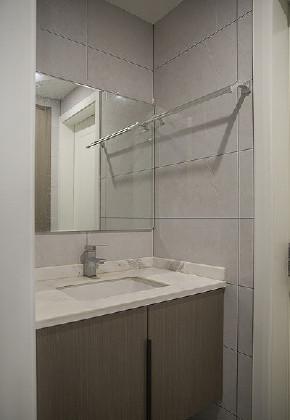 现代 混搭 三居 白领 卫生间图片来自家装大管家在尽显气质 102平现代素雅风3居室的分享