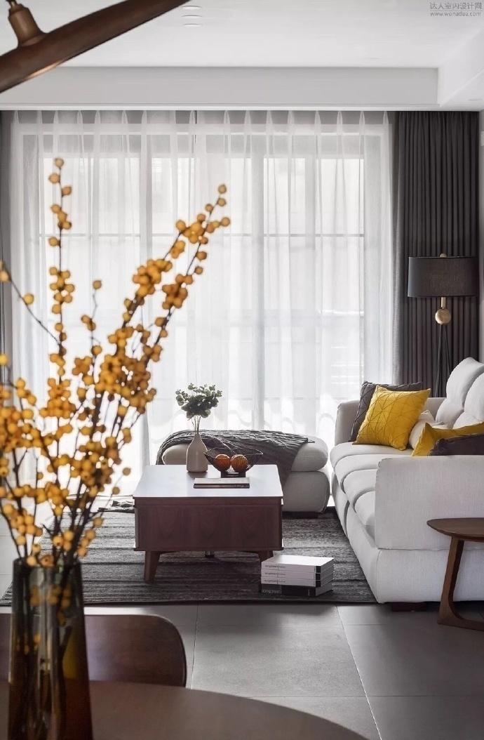 三居 客厅图片来自云南俊雅装饰工程有限公司在紫香园的分享