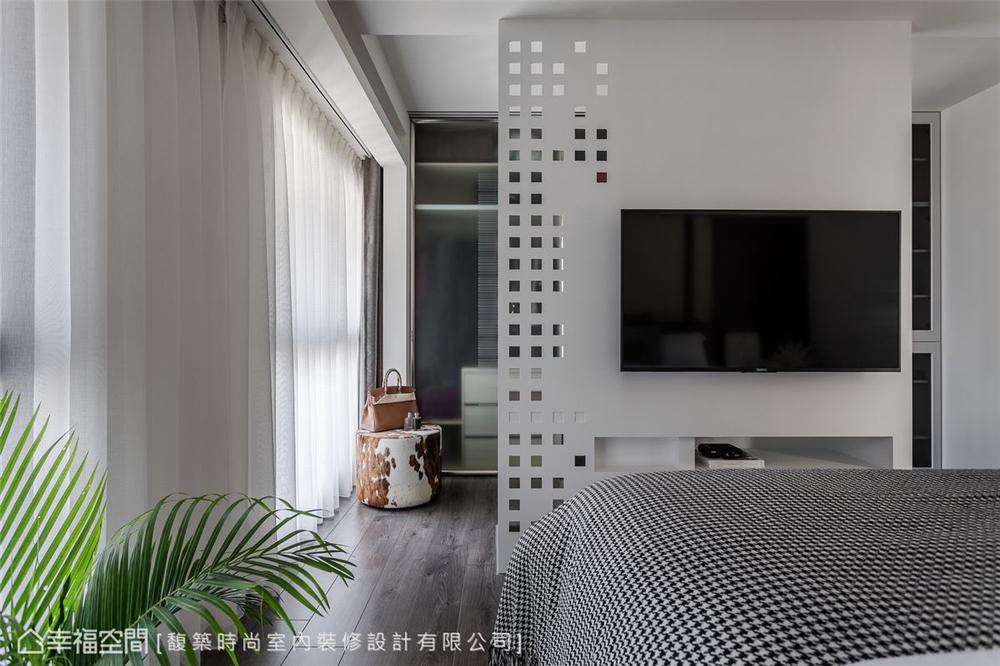 装修设计 装修完成 现代风格 衣帽间图片来自幸福空间在264平,木石疗愈 温馨度假宅邸的分享