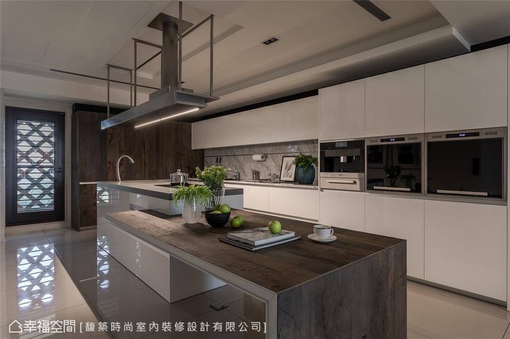 装修设计 装修完成 现代风格 餐厅图片来自幸福空间在264平,木石疗愈 温馨度假宅邸的分享