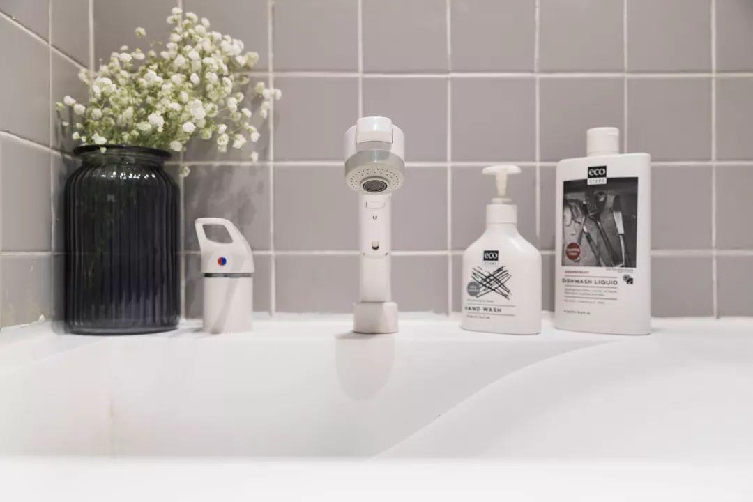 北欧 半包 全包 私人订制 全案设计 卫生间图片来自鹏友百年装饰在低调灰+白色+木色,好漂亮!的分享