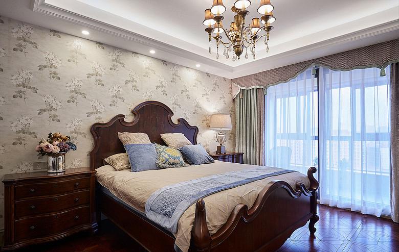 卧室图片来自家装大管家在158平美式低奢3居 实用艺术并存的分享