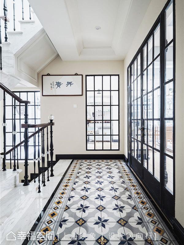 上海映象 幸福空间 美式 别墅 小资 装修设计 上海装修 星啊 陈子欣 楼梯图片来自幸福空间在450㎡贇淡風清 中西并蓄淡雅风韵的分享