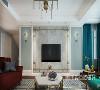 """客厅电视背景墙采用浅色大理石,搭配铁艺架的金属感,给空间带来视觉上的层次感,布艺沙发更符合""""休闲""""概念,整体客厅亮堂简洁,看着很舒服。"""