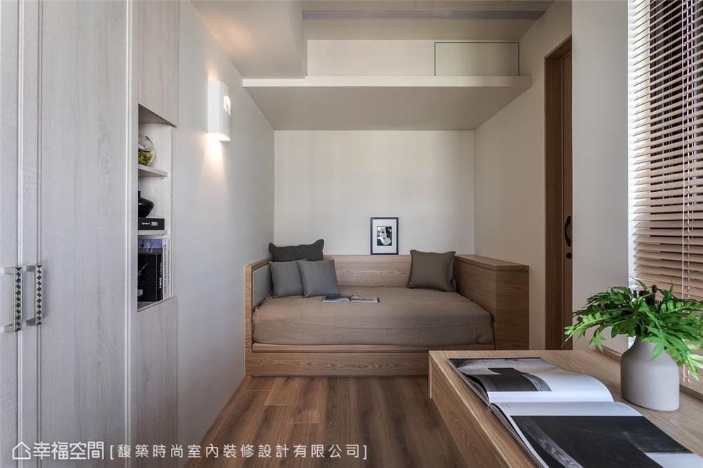 装修设计 装修完成 现代风格 书房图片来自幸福空间在198平,精致细节 悠闲时尚机能宅的分享