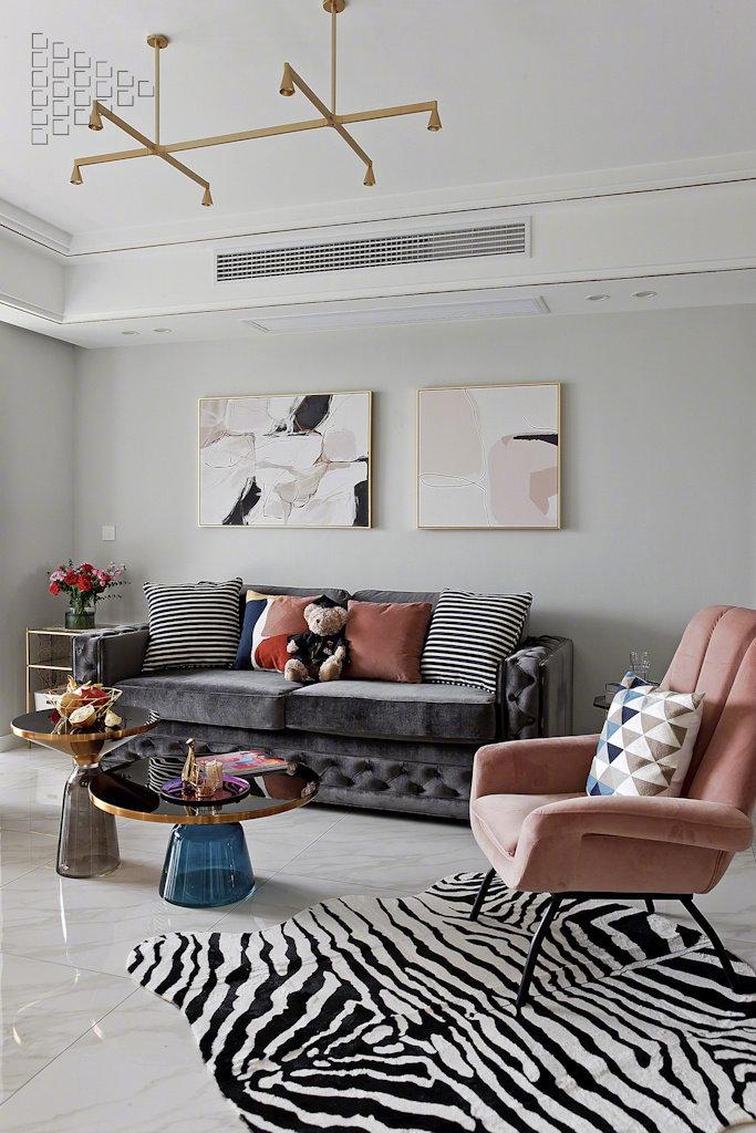 三居 客厅图片来自云南俊雅装饰工程有限公司在紫香园1的分享
