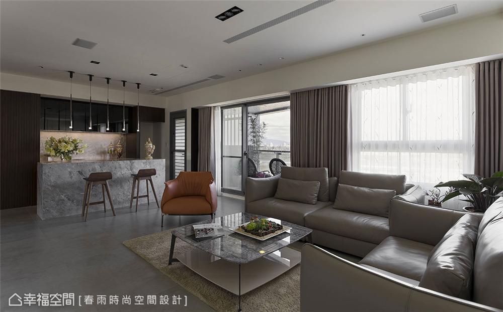 客厅图片来自幸福空间在198平,巧妙构思 客变规划三拼宅的分享