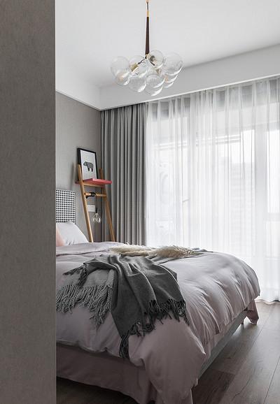 卧室图片来自家装大管家在布局紧凑 105平北欧素雅时尚3居的分享