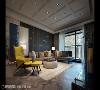 以订制画作为核心 得比空间设计与屋主密切沟通,订制一幅深蓝过渡灿金至纯白的画作,设置在客厅成为艺术展示品,并以之为设计主题开展色彩语汇:海青、金黄、米白色调。