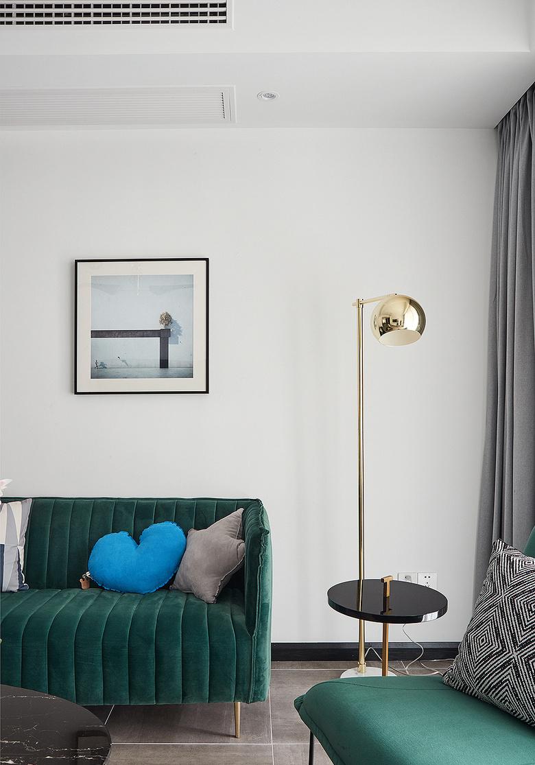 客厅图片来自家装大管家在化简为零 100平北欧时尚雅致3居的分享