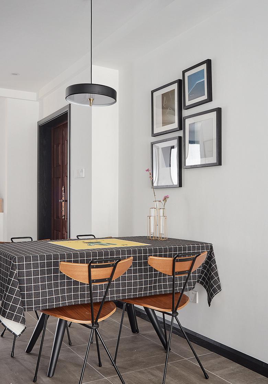 餐厅图片来自家装大管家在化简为零 100平北欧时尚雅致3居的分享