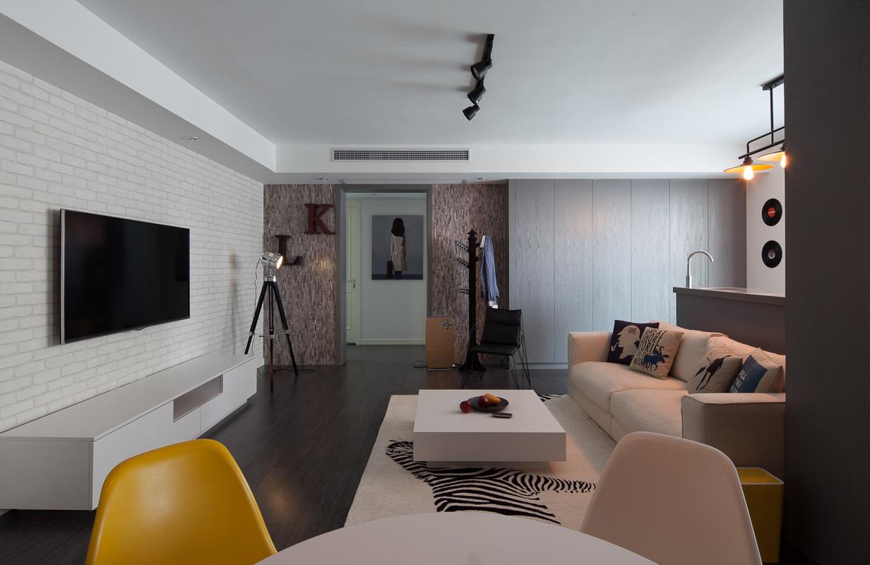 混搭 二居 旧房改造 客厅图片来自北京今朝装饰在混搭风格的分享