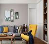 画中的绿植更是让客厅充满自然活力,黄色单椅与靠枕提亮视觉