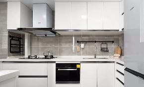 简约 现代 混搭 江北 鹏友百年 半包 基装 全案设计 家装 厨房图片来自鹏友百年装饰在现代简约三室 灰调木色自然空间的分享