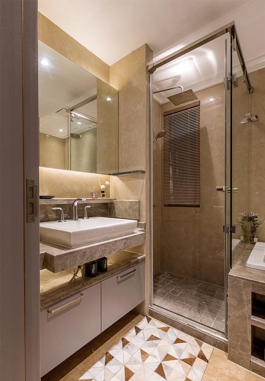 卫生间图片来自家装大管家在轻奢淡雅 127平现代雅致时尚3居的分享