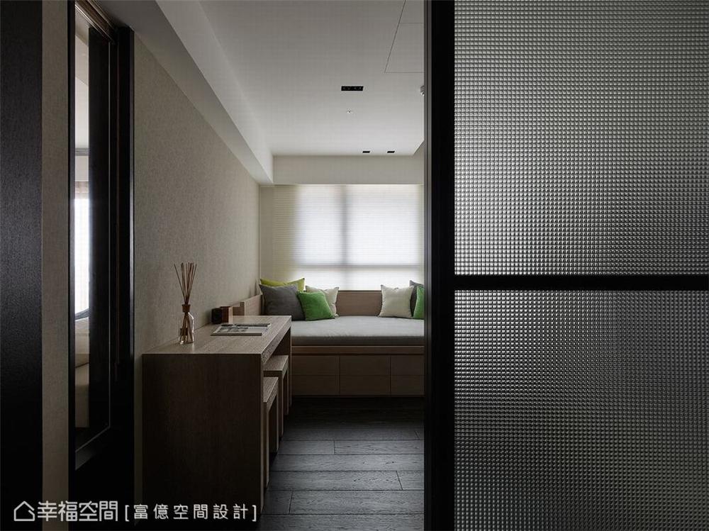 装修设计 装修完成 多元风格 书房图片来自幸福空间在188平, 开阔的双动线退休美宅的分享