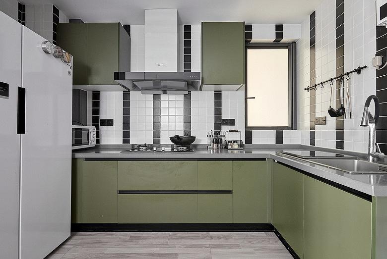 厨房图片来自家装大管家在98平现代混搭婚房 营造明亮氛围的分享