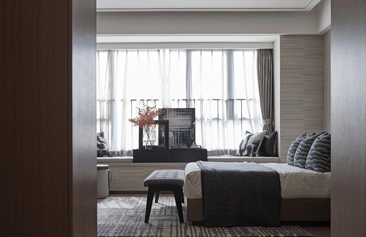 卧室图片来自鹏友百年装饰在质感大平层,彰显尊贵与高雅!的分享