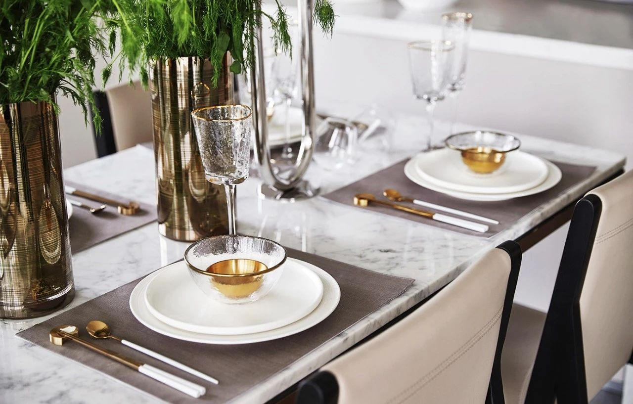 餐厅图片来自鹏友百年装饰在质感大平层,彰显尊贵与高雅!的分享